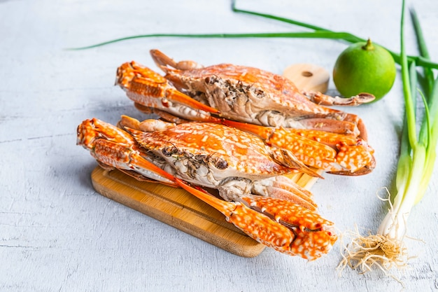 seafood-steamed-crab-white-wood_51137-1584.jpg (626×417)