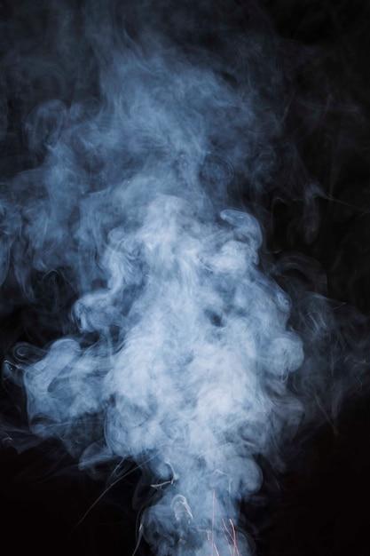 Бесшовные текстуры белого дыма на черном фоне Бесплатные Фотографии
