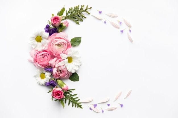 Semicircle from assorted flowers Free Photo