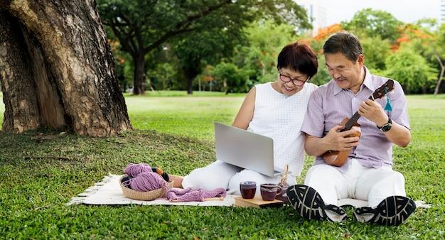 Senior asian couple Premium Photo