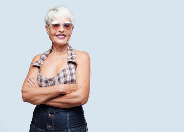Senior cool woman expressing a concept Premium Photo