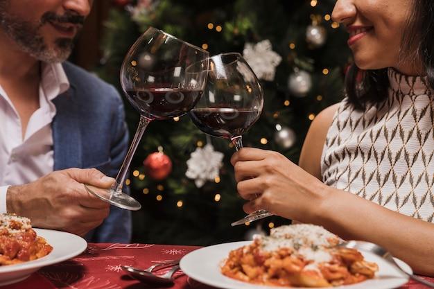 Senior couple celebrating christmas Free Photo
