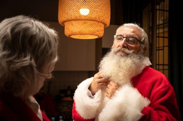 Senior santa claus with beard Free Photo