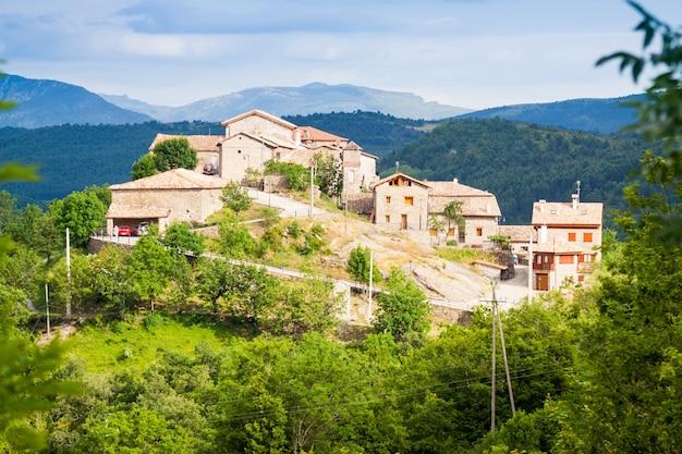Деревня в пиренеях. seniu Бесплатные Фотографии