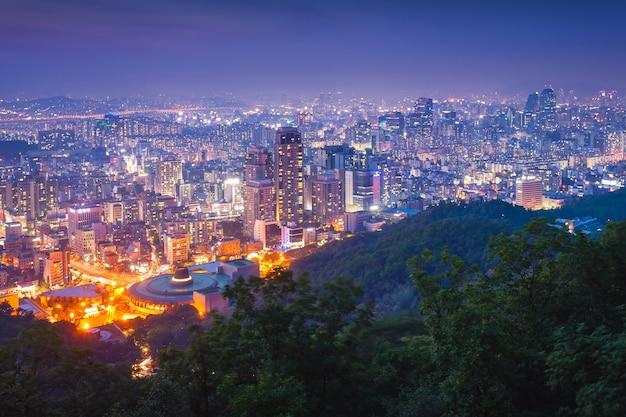 밤에 서울, 한국. 프리미엄 사진