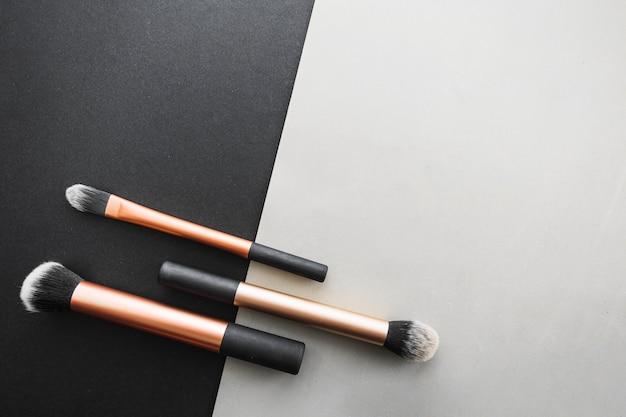 Set of brushes Free Photo