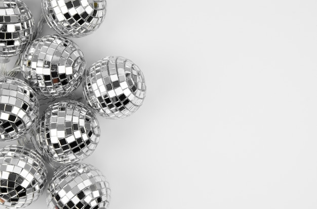 Set di palle da discoteca con spazio di copia Foto Gratuite