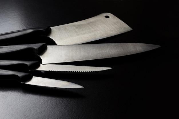 Set of kitchen knives Premium Photo