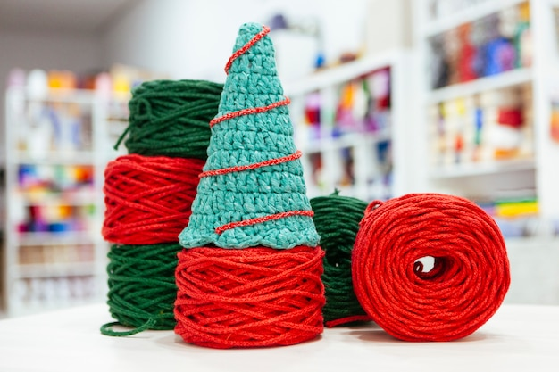 Set of a made it yourself christmas tree made with wool Premium Photo