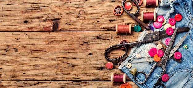 Set of tailoring accessories Premium Photo