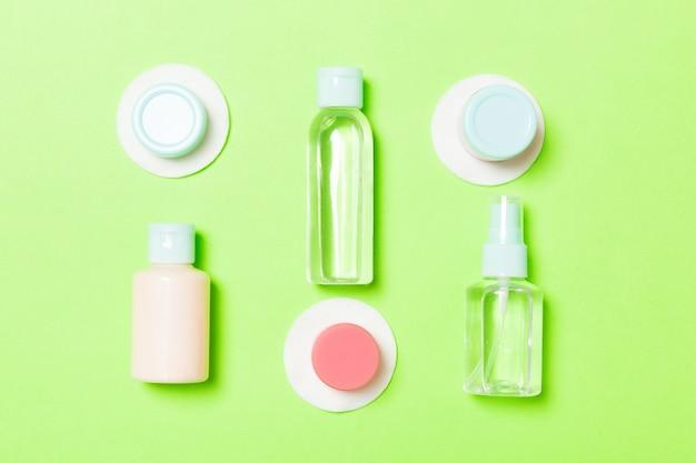 Set of travel size cosmetic bottles Premium Photo