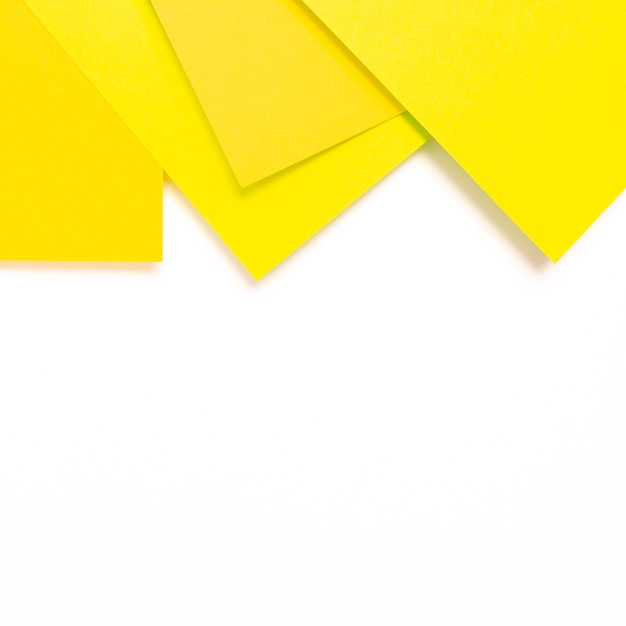 Set of yellow cardboard sheets with copy space Free Photo
