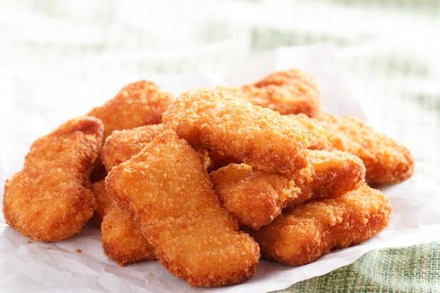 Several pieces of chicken nuggets Premium Photo