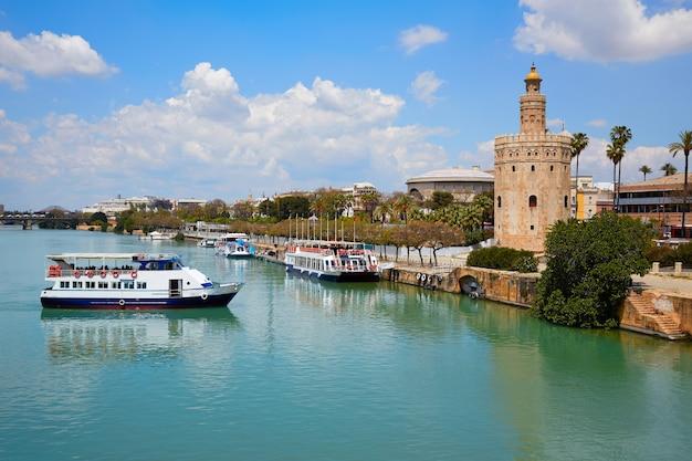 Seville torre del oro tower in sevilla andalusia Premium Photo