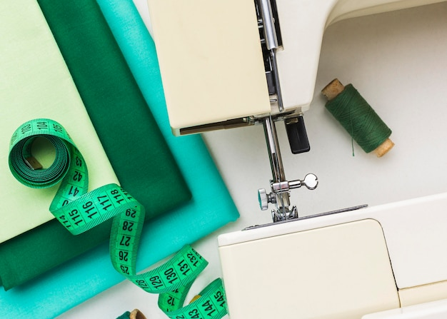 糸と巻尺のミシン Premium写真