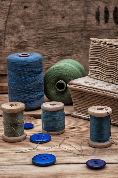 Sewing threads Premium Photo