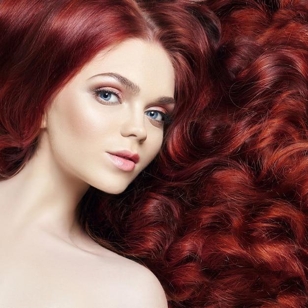 Sexy nude beautiful redhead girl with long hair | Premium