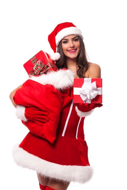 Regali Di Babbo Natale.Donna Sexy Che Da I Regali Di Natale Dal Sacco Di Babbo Natale Foto Gratis