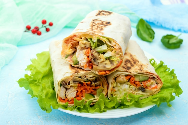 Shawarma - middle eastern dish made from lavash (pita) Premium Photo