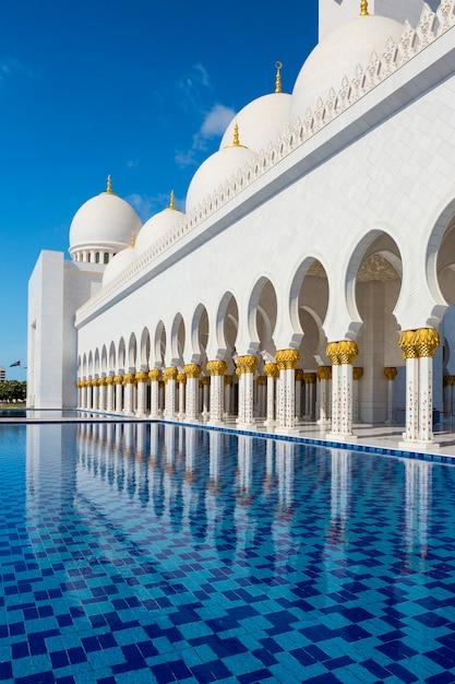 アラブ首長国連邦、アブダビのシェイクザイードモスク Premium写真