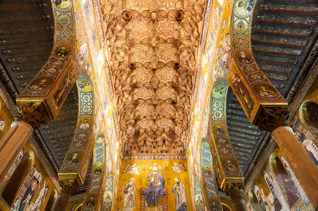 Shining ceiling of the palatine chapel, palermo Premium Photo