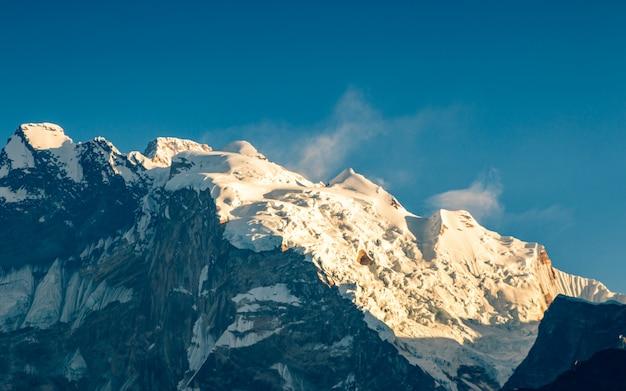 Shining mount annapurna range from poonhill, nepal. Premium Photo
