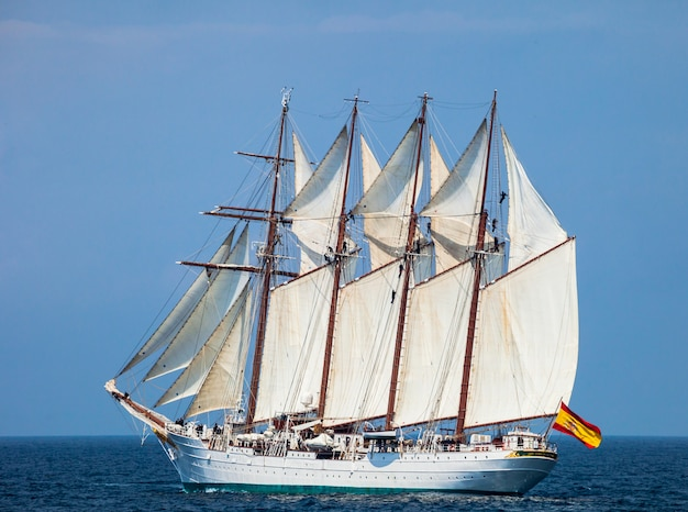 Ship juan sebastian de elcano Premium Photo