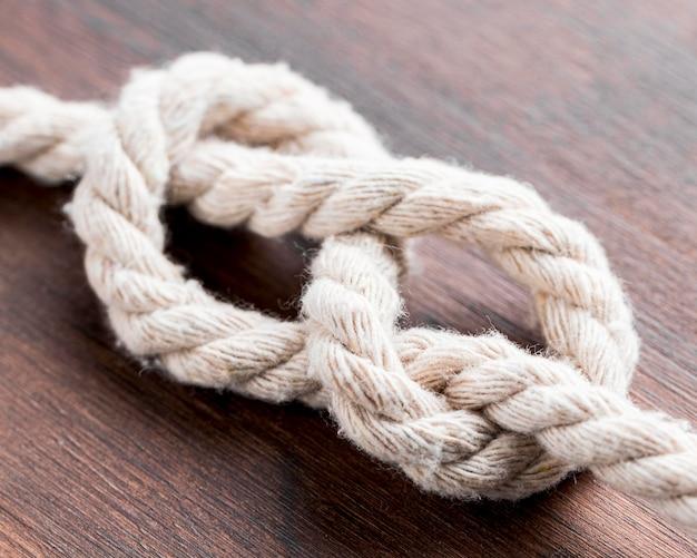 船の白いロープの結び目の高いビュー 無料写真