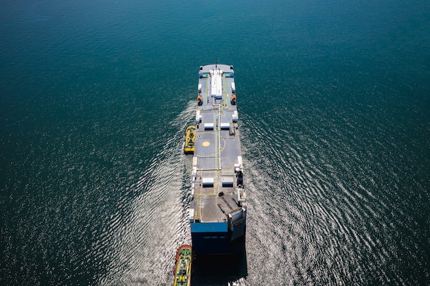 Shipping oil tanker and petrochemical industry import and export international by ocean Premium Photo