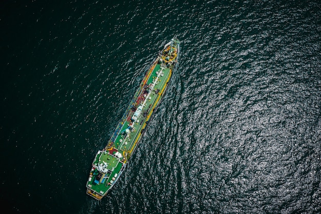 Shipping oil tanker and petrochemical industry import export international by ocean Premium Photo