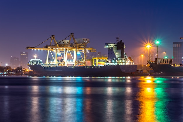Shipping port Premium Photo