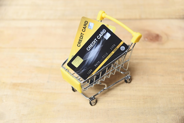 Shopping online with credit card Premium Photo