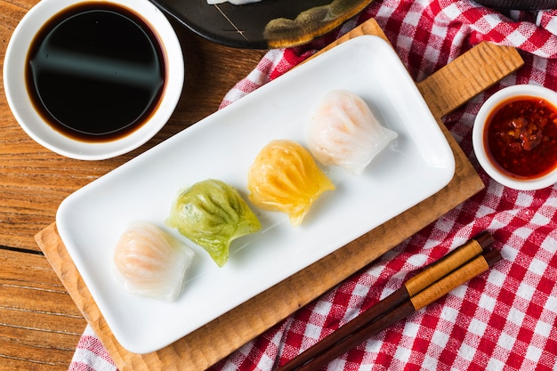 Shrimp dumplings, popular dim sum in china Free Photo