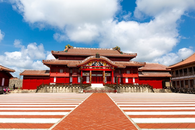 The shuri castle, naha , okinawa, japan. one of the famouse castle in okinawa. Premium Photo
