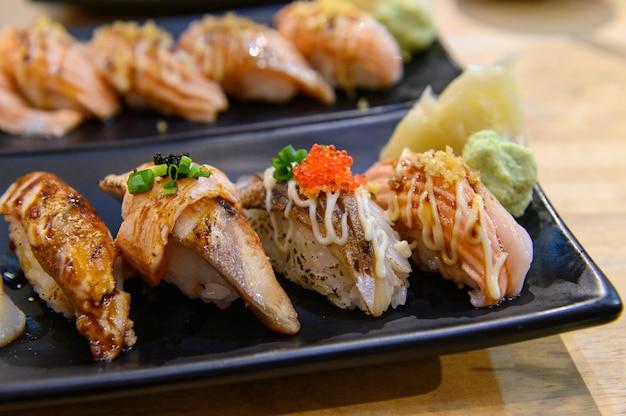 Shushi shalmon big Premium Photo