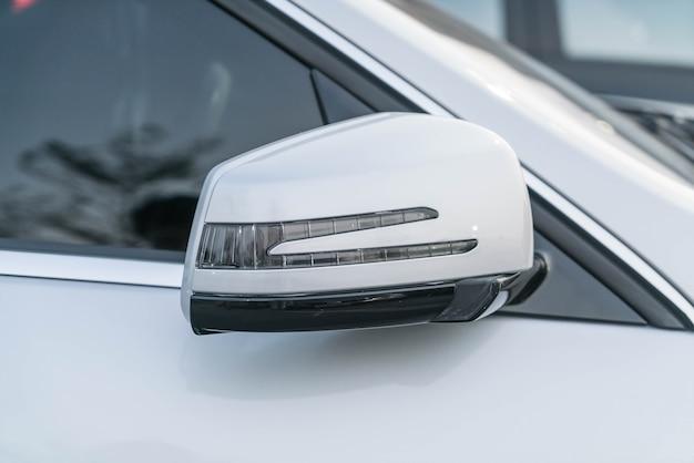 Side rear-view mirror Free Photo