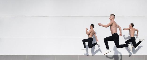 Вид сбоку без рубашки хип-хоп художников с копией пространства Бесплатные Фотографии
