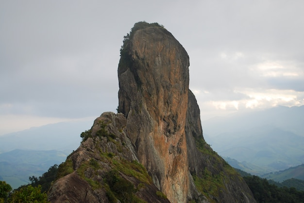 Side view of stone of the chest, on the border of the cities of sao bento do sapucai Premium Photo