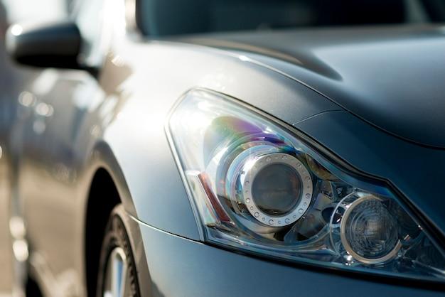 Sideways rear-view mirror of a modern car Free Photo
