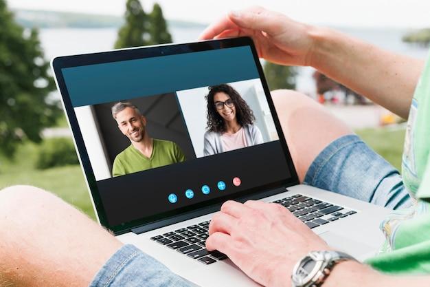 Боковой видеозвонок на ноутбуке Бесплатные Фотографии