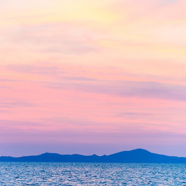 Silhouettes of mountains with pink sky Free Photo