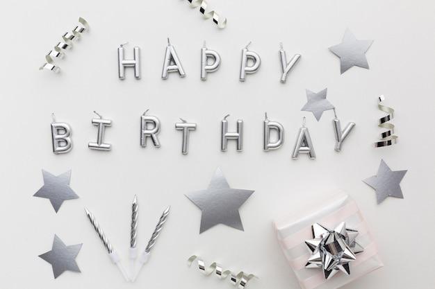 Серебряные украшения и поздравление с днем рождения Бесплатные Фотографии