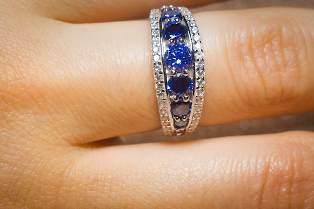 Silver ring with tanzanite Premium Photo