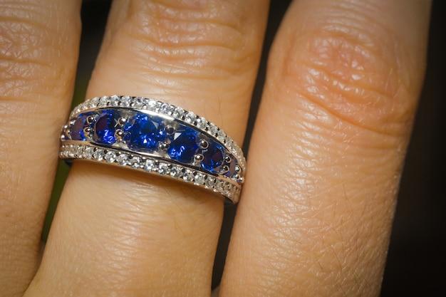 Silver ring with tanzanite Premium Photo