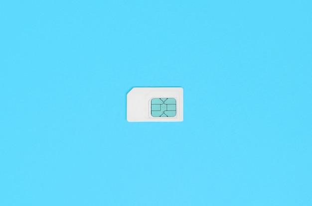 加入者識別モジュール白地に白のsimカード Premium写真