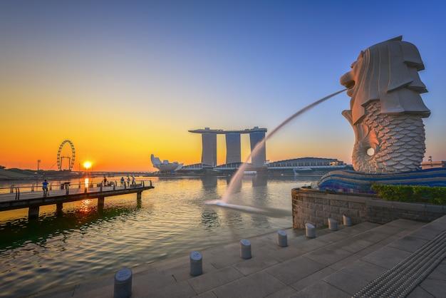 Singapore city skyline, singapore marina bay cityscape when sunrise Premium Photo