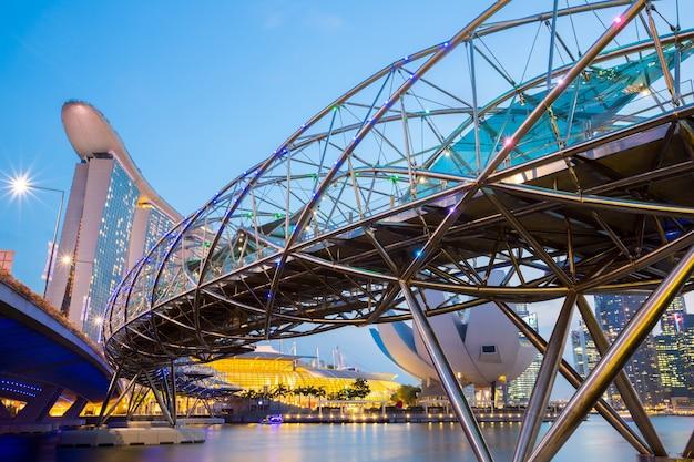 Singapore skyline dusk Premium Photo