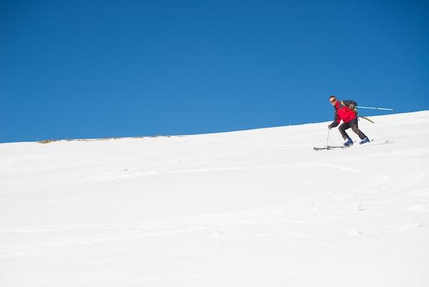 Skiing on the majestic italian alpine arc Premium Photo