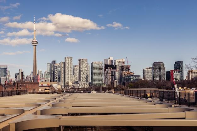 Архитектура и здания skyline в торонто канада Premium Фотографии