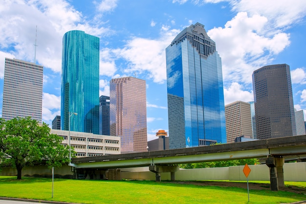 Хьюстон техас skyline современные небоскребы и голубое небо Premium Фотографии